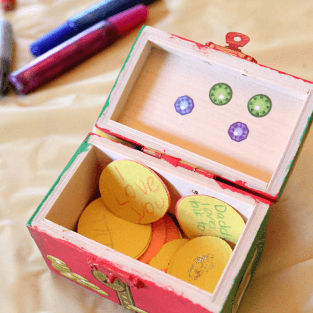 Father's Day Treasure Chest Craft for Children - Dad will love this DIY, handmade, painted chest of love from the kids. *What a cute gift idea!