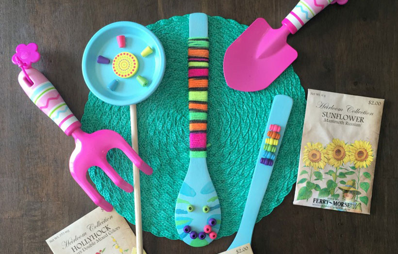 Top 10 Craft Ideas for Kids: National Craft Month *We rounded up 10 top craft activities for kids, to celebrate National Craft Month on the Melissa & Doug Blog.
