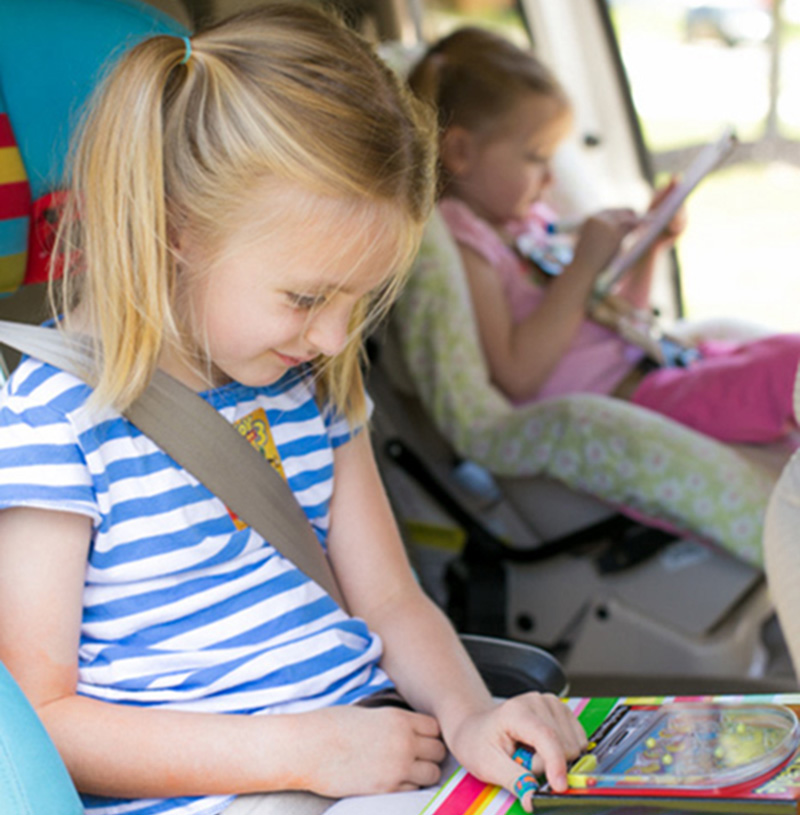Keep Kids Entertained While Traveling