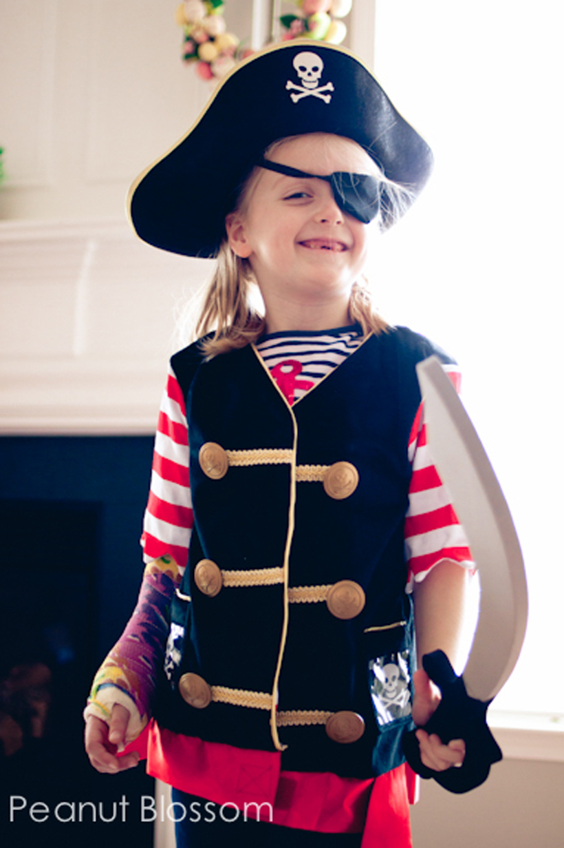 games & goodies pirate party pirate costume set