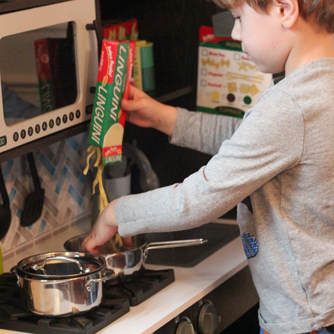 Cooking with Kids: Step-by-Step Play