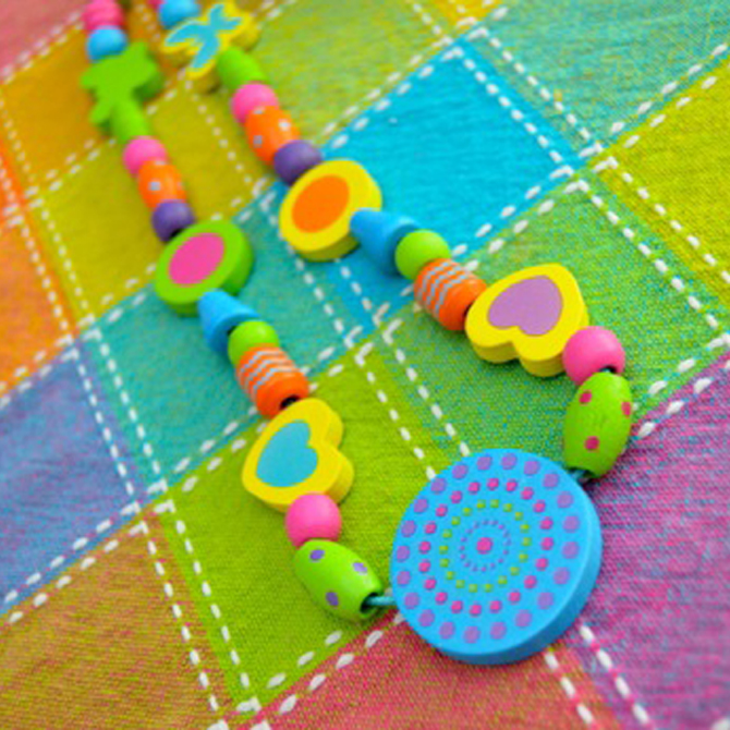 Val's Crafty Corner: Beaded Necklaces for Mom