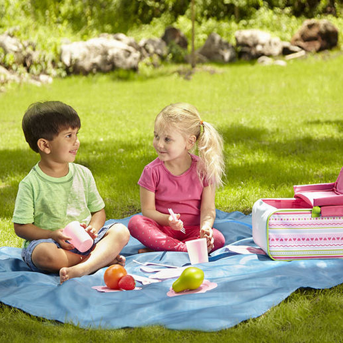 Celebrate Summer with Outdoor Activities!