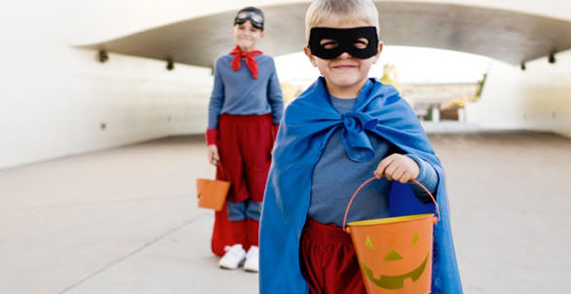 4 Fun Halloween Games for Kids *Check out these 4 great Halloween games for trick or treat themed fun on the Melissa & Doug Blog.