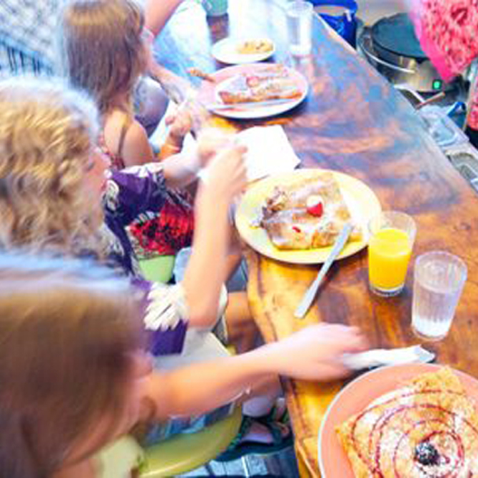 5 Tips for Dining Out with Kids