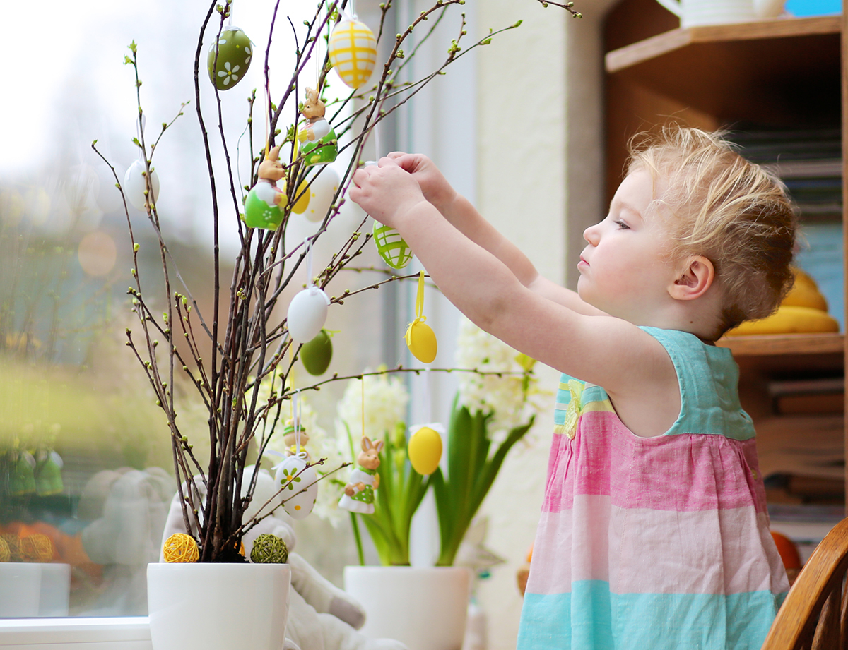 Here are some fun and easy activities to do with the kids this Easter!