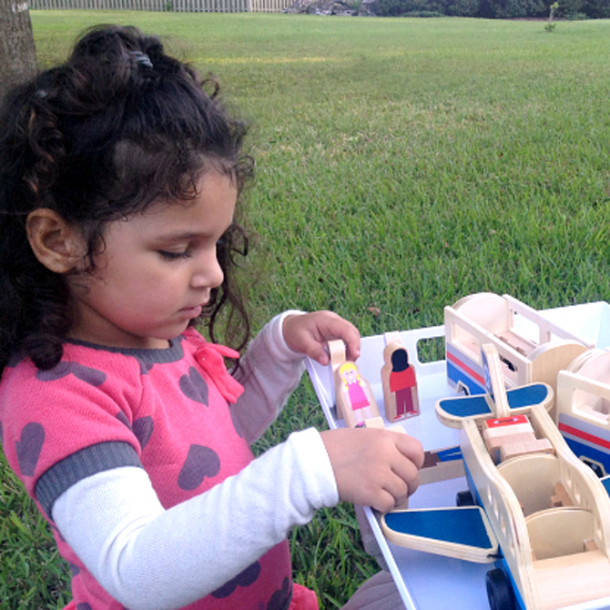 Tips for Selecting Wooden Vehicles for Girls and Boys